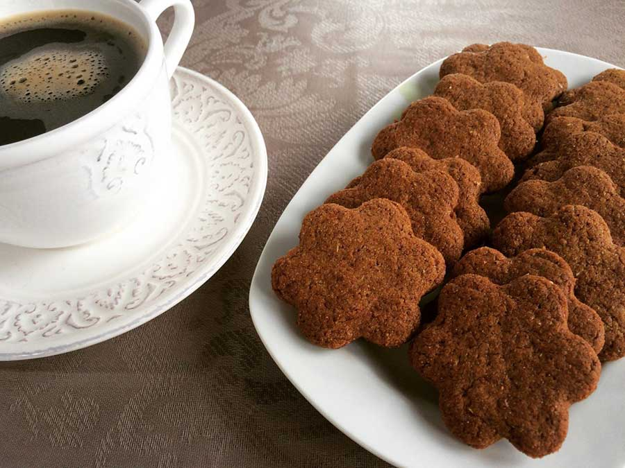 Sugar free cinnamon biscuits with olive oil